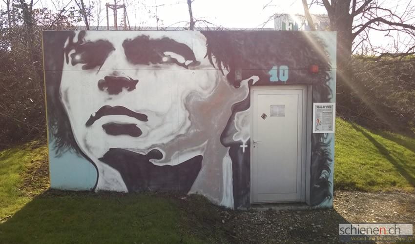 Pumpwerk mit Graffiti